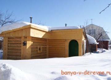 Угловая баня на садовом участке — экономим пространство